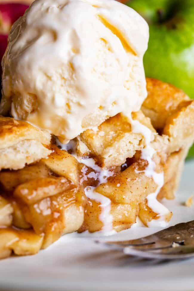 apple pie recipe from scratch with ice cream on top
