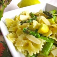 {Very Quick} Garlic Asparagus and Pasta with Lemon Cream