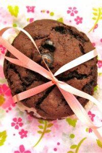 Homemade Oreo Cookies... with Oreos from TheFoodCharlatan.com