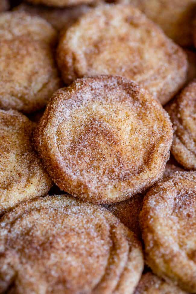 what is a snickerdoodle (snickerdoodles stacked up on a pan)