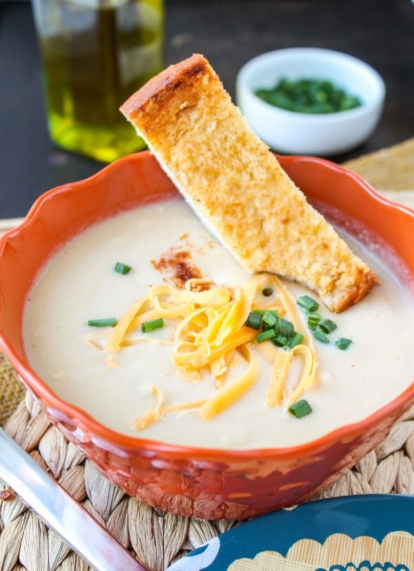 Easy Cheddar Cauliflower Soup