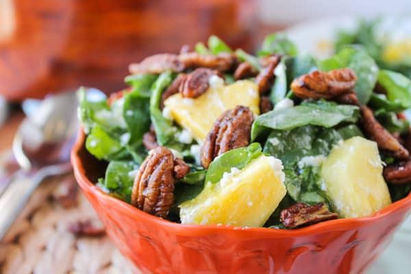Ensalada de espinacas y piña
