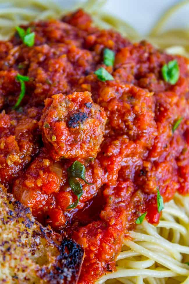 Healthy Slow Cooker Spaghetti Meat Sauce from The Food Charlatan