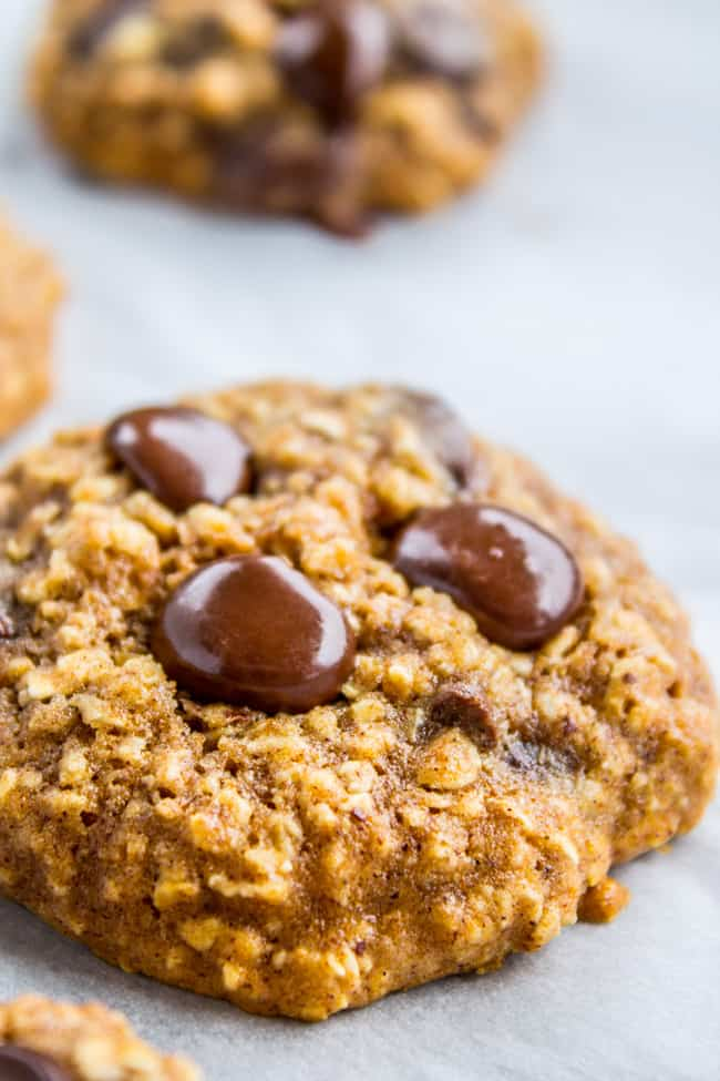 Skinny Oatmeal Chocolate Chip Cookies from The Food Charlatan