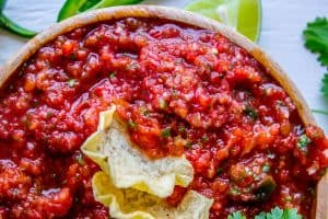 5 Minute Restaurant Style Salsa and How to Host Taco Tuesday