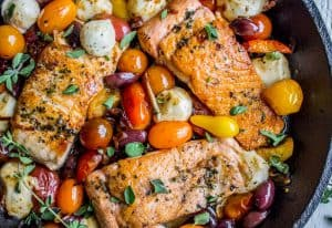 Pan-Seared Salmon with Cherry Tomatoes and Mozzarella (30 Minutes)