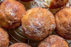 Cinnamon Sugar Dipped Muffins (French Breakfast Puffs)