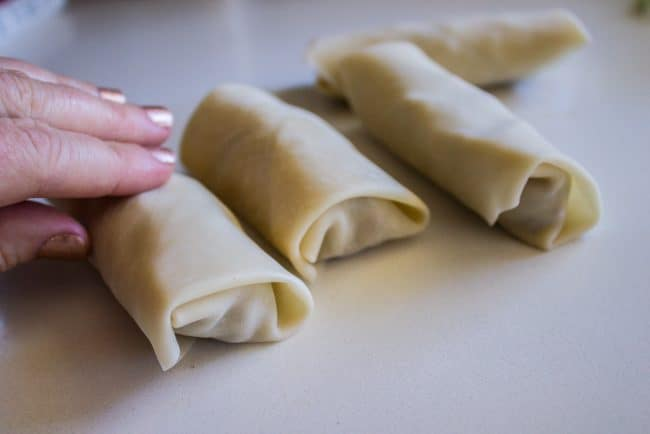 how to roll cheeseburger egg rolls