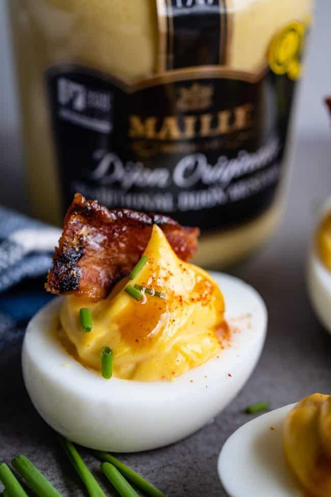 receta de huevos rellenos con tocino