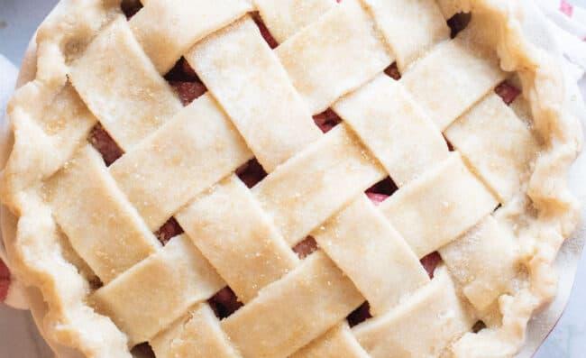 raw sugar sprinkled on a lattice pie crust