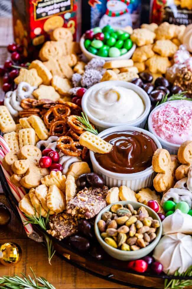 dessert charcuterie board ideas for christmas