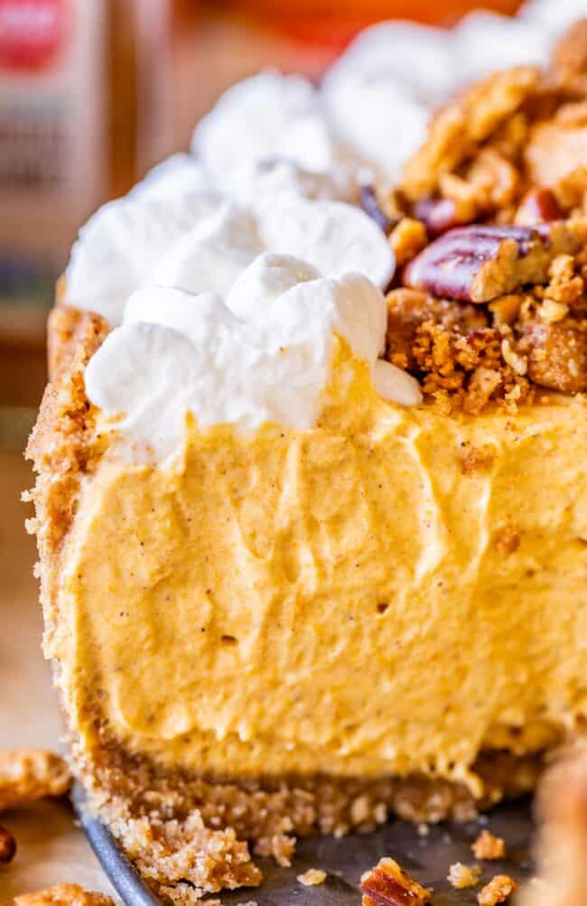 how to make no bake pumpkin cheesecake, shot from the side