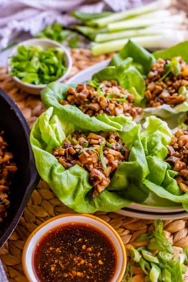 chicken lettuce wraps with sauce