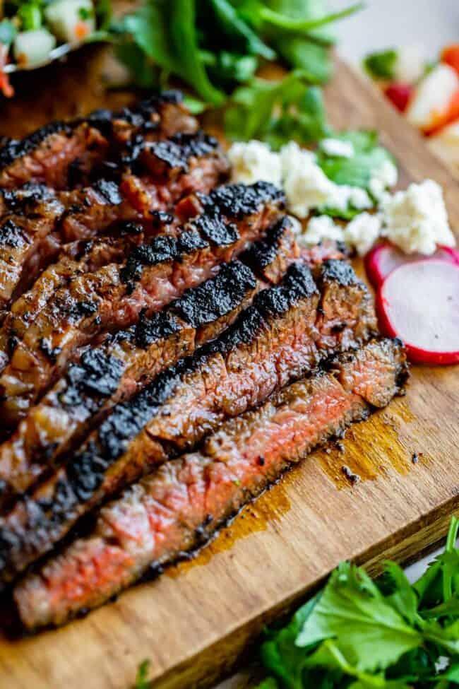 carne asada seasoning, meat sliced against the grain